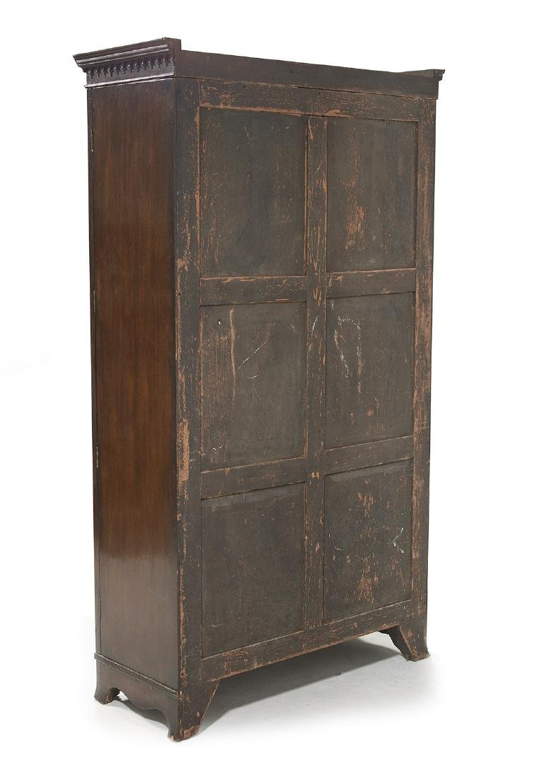 George III-Style Mahogany Bowfront Cabinet - 3