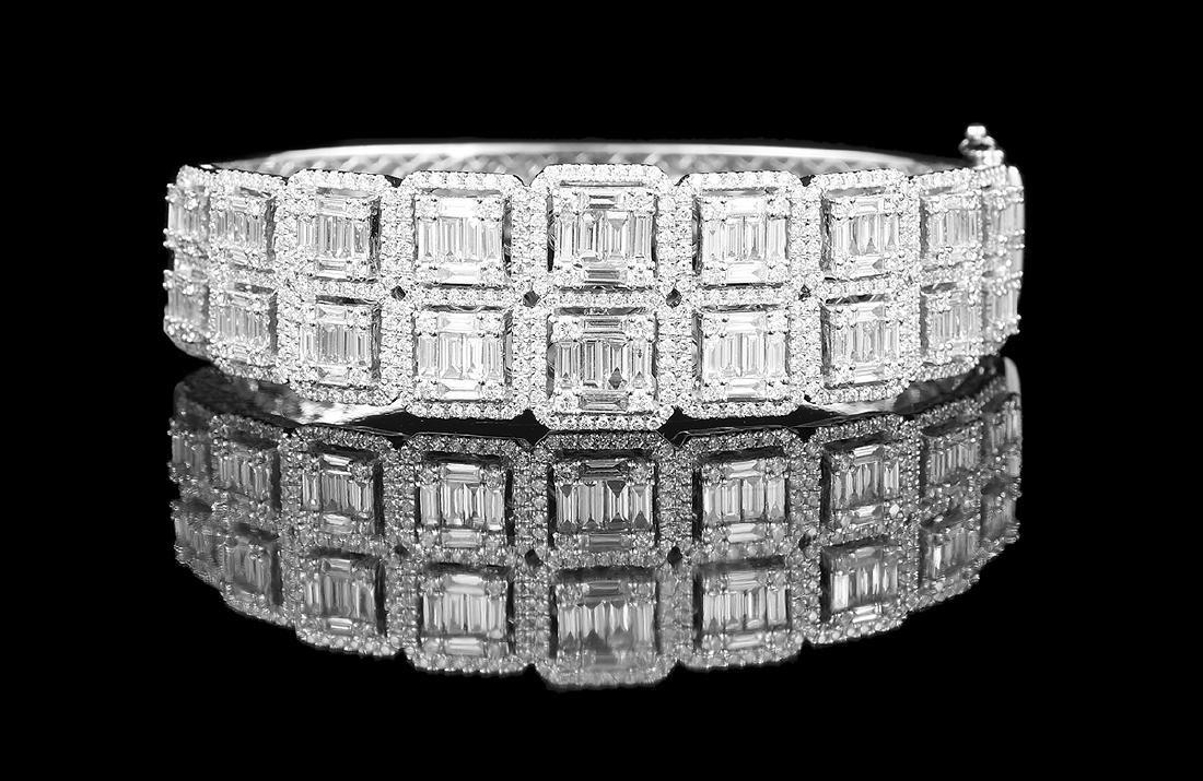 Impressive Diamond Bangle Bracelet