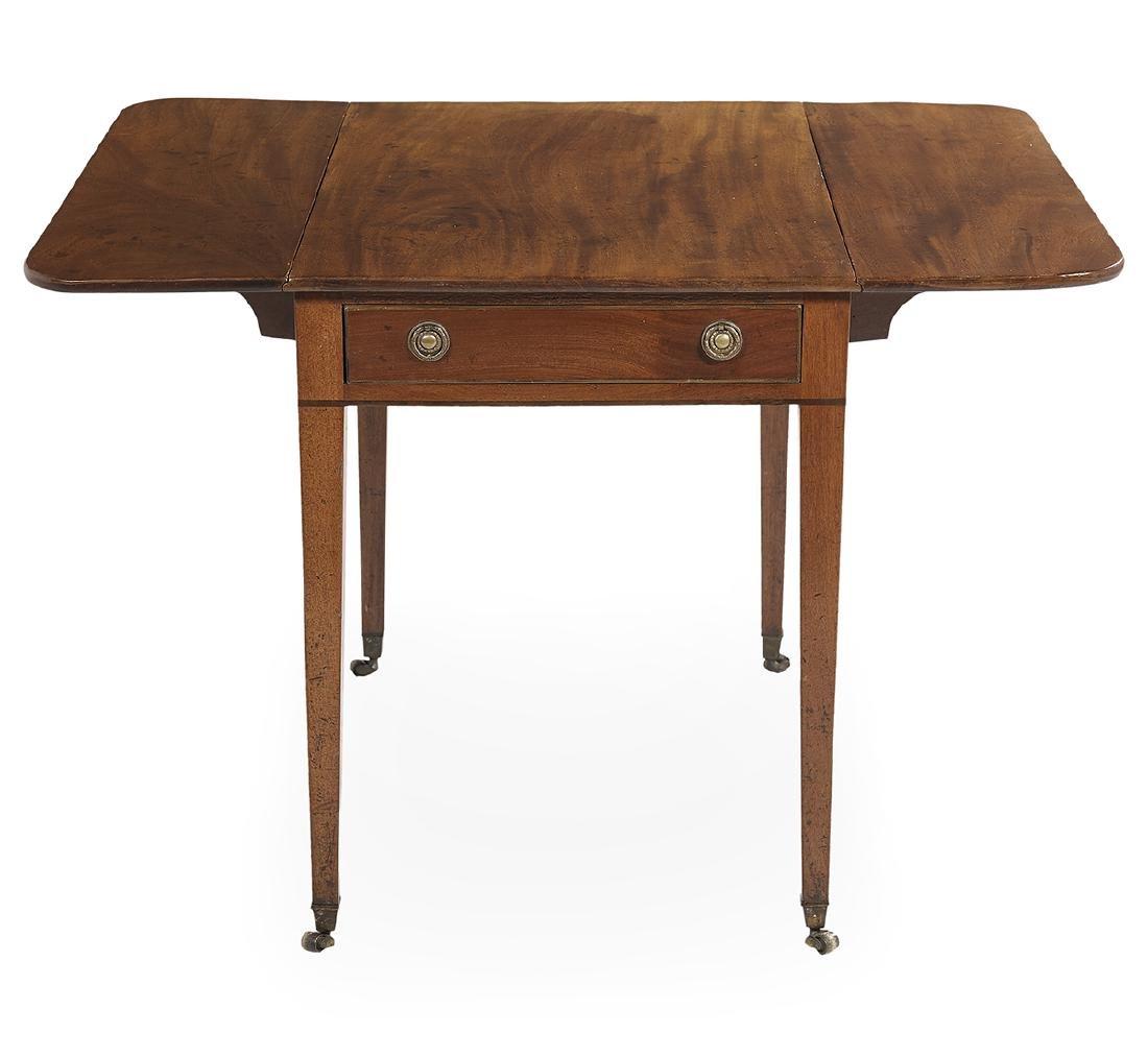 George III-Style Mahogany Pembroke Table - 2