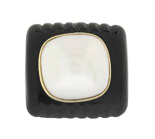 Mabe Pearl and Black Onyx Ring