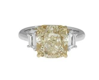 Stunning Yellow and White Diamond Ring