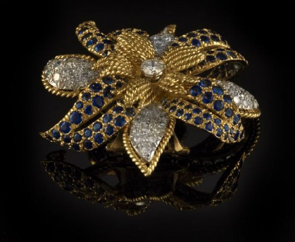 844: 18 Kt. Gold, Plat., Sapphire and Diamond Brooch
