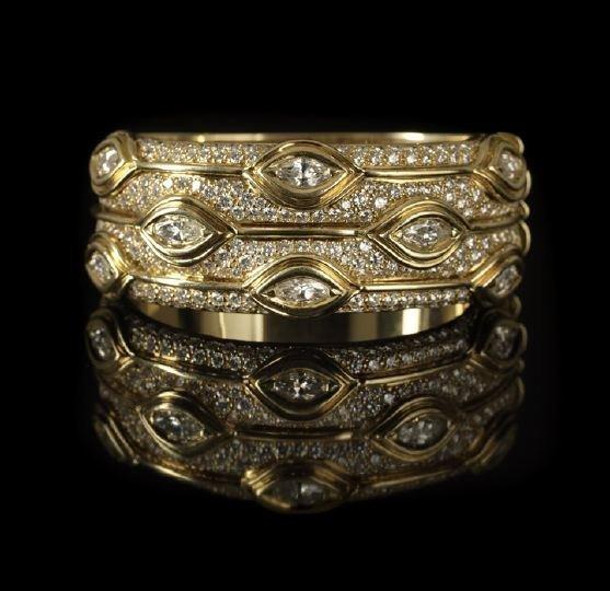 637: 18 Kt Yellow Gold and Diamond Cuff Bracelet