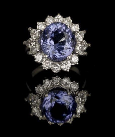 639: Platinum,Tanzanite and Diamond Lady's Ring