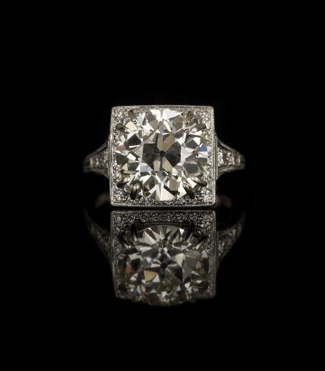640: Brilliant Platinum and Diamond Engagement Ring