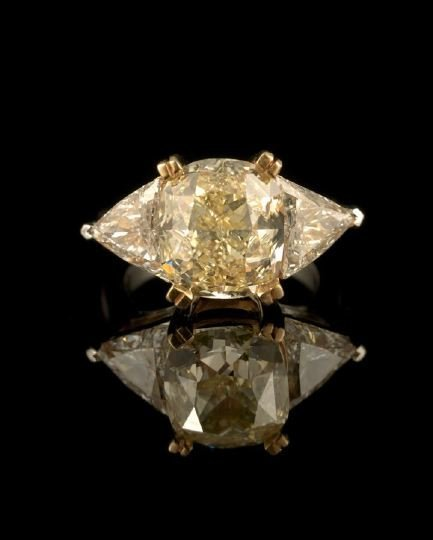 550: 18 Kt. White and Yellow Gold and Diamond Ring
