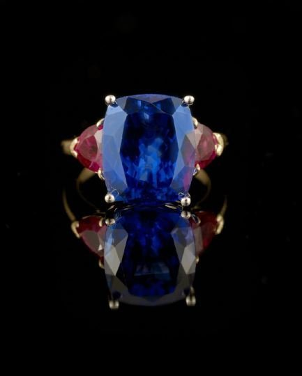 552: 18 Kt. Gold, Platinum & Tanzanite Lady's Ring