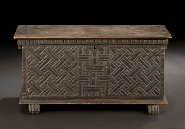 567: Continental Carved Oak Coffer