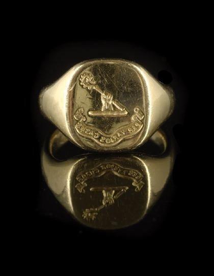 675: Fine English 18 Kt. Yellow Gold Signet Ring