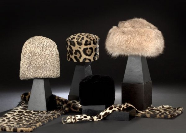 681: Six-Piece Collection of Fashion Accessories