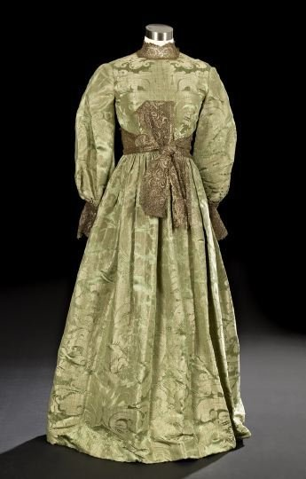 632: Exquisite Green and Gold Brocade Ball Gown