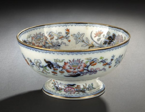 9: Staffordshire Pottery Footed Fruit Bowl