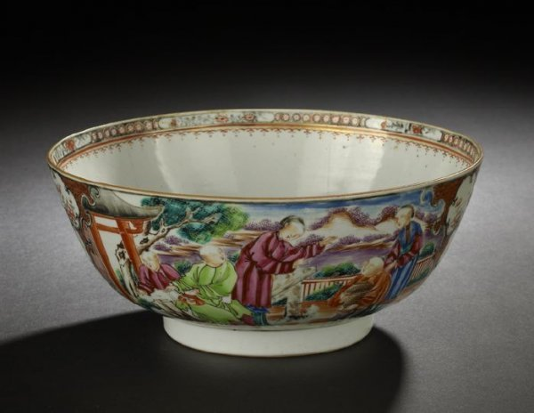 17: Chinese Export Porcelain Bowl