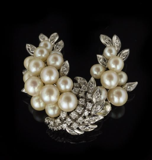 721: 14 Kt. Gold, Diamond and Pearl Wreath-Form Brooch