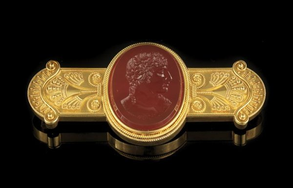 1308: Fine Victorian 14 Kt Gold and Carnelian Brooch