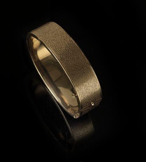 1309: American 14 Kt. Yellow Gold Bangle Bracelet