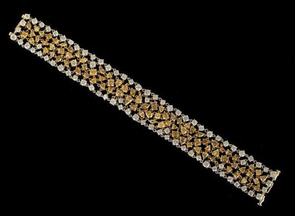 1323: 18 Kt. Yellow Gold and Diamond Mesh Bracelet
