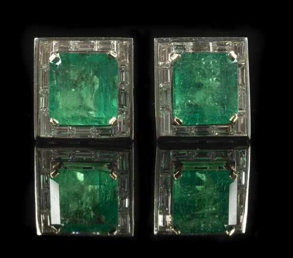 1324: Pair of 18 Kt. Gold, Emerald and Diamond Earrings