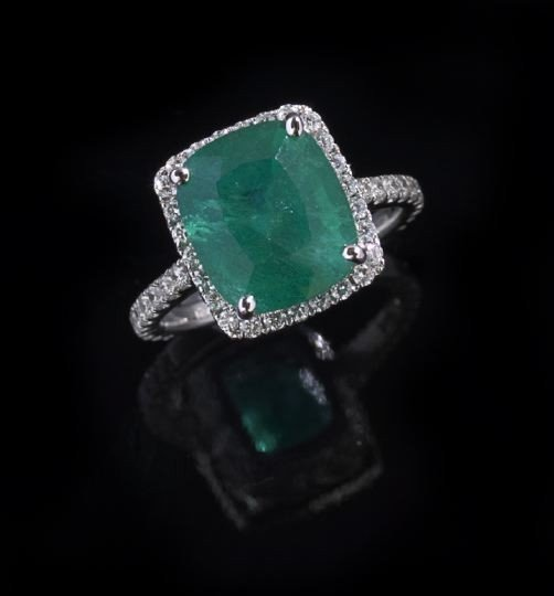 754: Lady's 18 Kt. Gold, Emerald and Diamond Ring