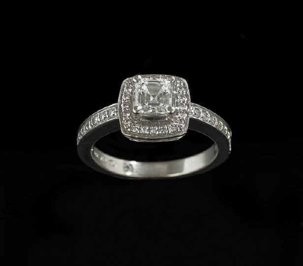 763: 18 Kt. Gold and Diamond Lady's Engagement Ring