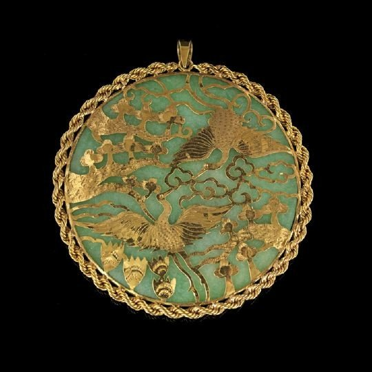 771: Chinese Jadeite and Yellow Gold Pendant