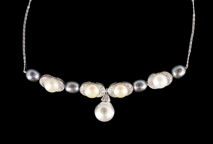 847: 14 Kt. Gold, Pearl and Lavalier-Style Necklace