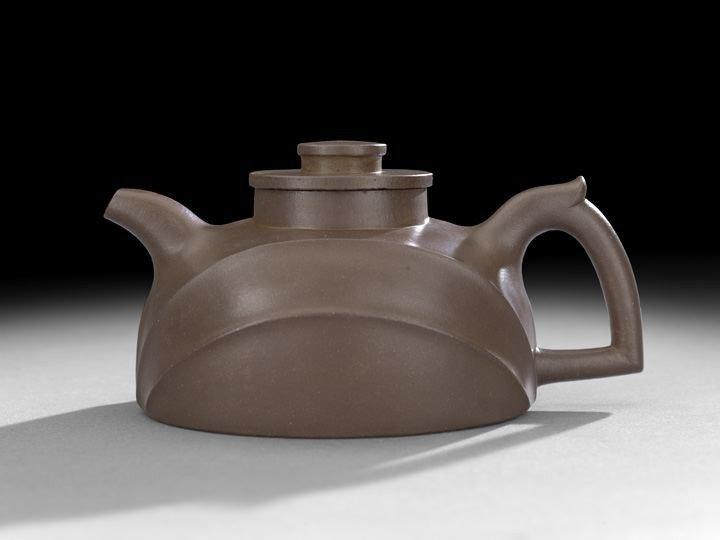 112: Fine & Rare Yixing Teapot by Chen Mingyuan