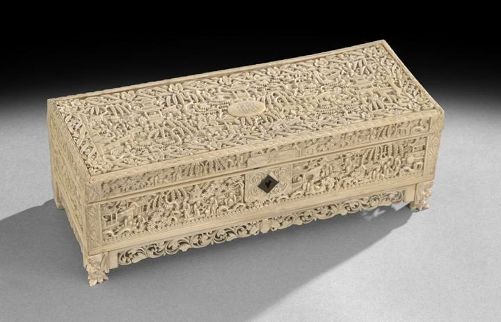 736: Chinese Export Carved Ivory Glove Box