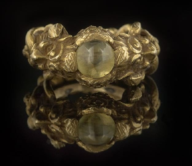 1602: Unusual Antique Fourteen Karat Gold Men's Ring