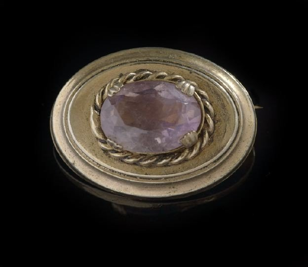 1604: Small Edwardian Gold-Plated Brooch