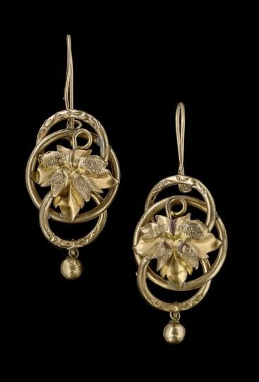 1605: Pair of Victorian Gold-Plated Earrings