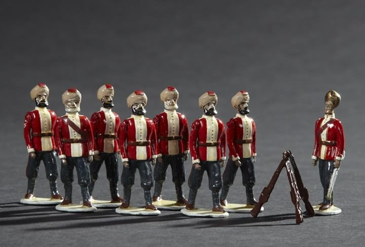 1696: Eight Sikh Infantry Vintage Lead Toy Soldiers