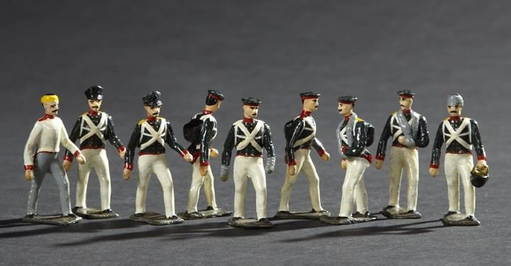1709: 9 Russian Infantry Vintage Lead Toy Soldiers