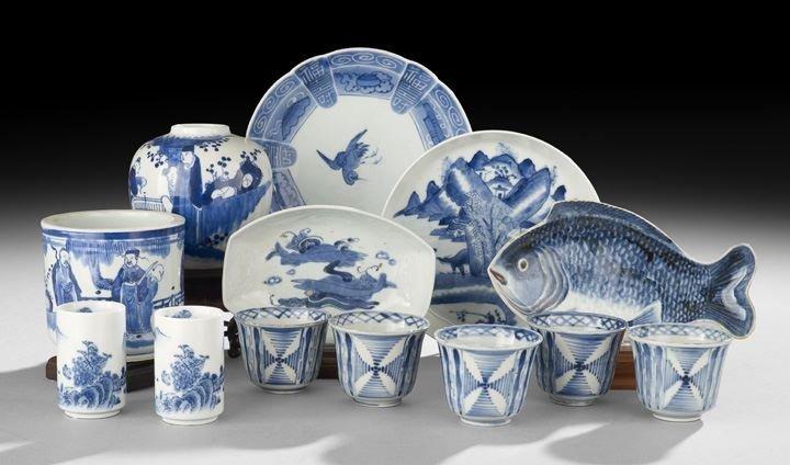424: Thirteen Asian Underglaze Blue-and-White Items