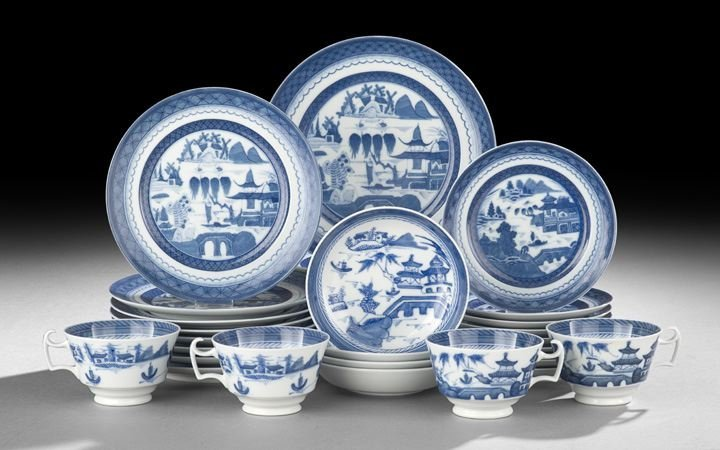 426: 34 Piece Mottahedeh Blue-and-White Dinner Service