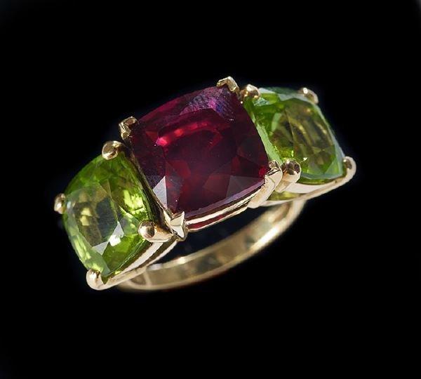 1167: Lady's 18 Kt. Gold, Tourmaline and Peridot Ring