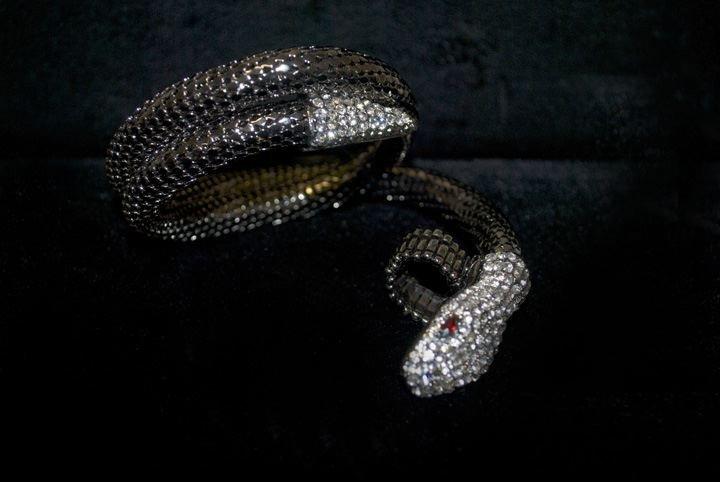 14: Lady's Fashion Rhinestone Snake Bracelet
