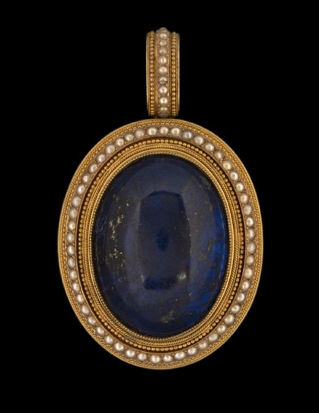 Etruscan Revival 18 Kt. and Lapis Lazuli Brooch