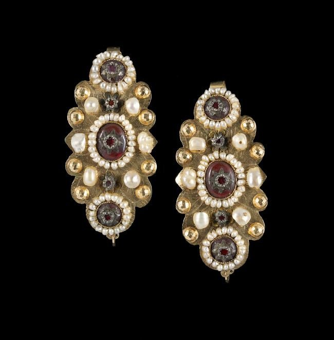 Pair of 10 Kt. Gold, Pearl and Glass Earrings