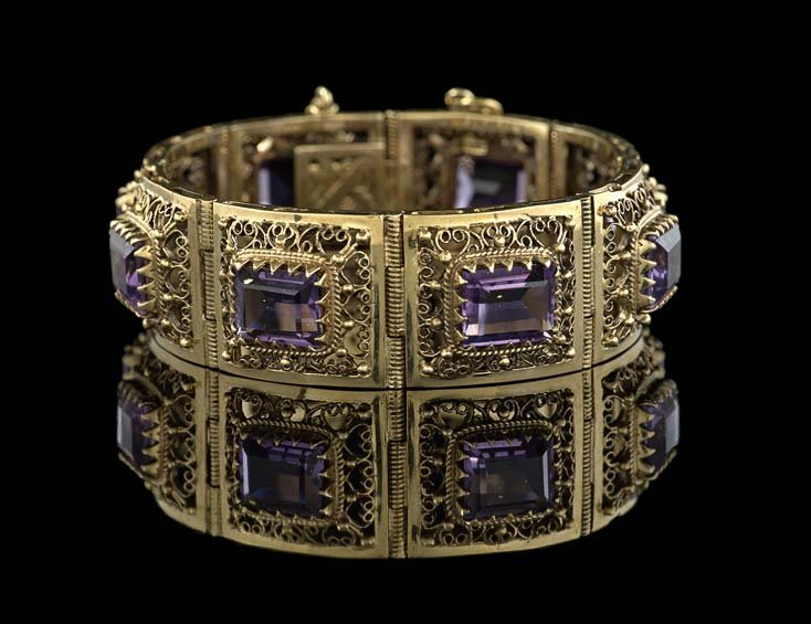 14 Kt. Yellow Gold and Amethyst Bracelet