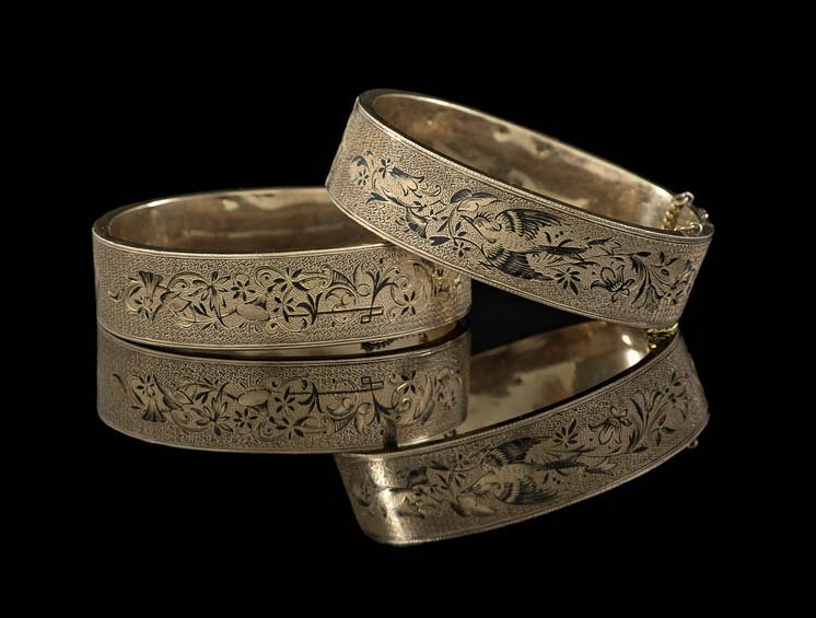 Pair of Victorian 10 Kt. Gold Hinged Bracelets