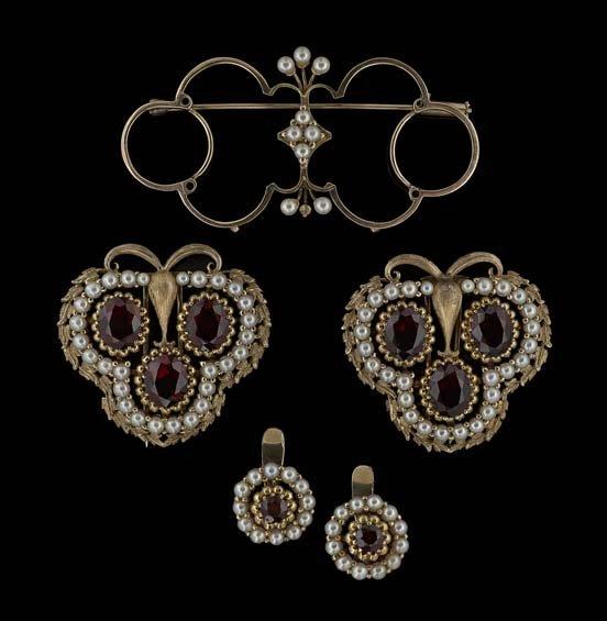 14 Kt. Gold, Garnet & Pearl Earrings & Brooch