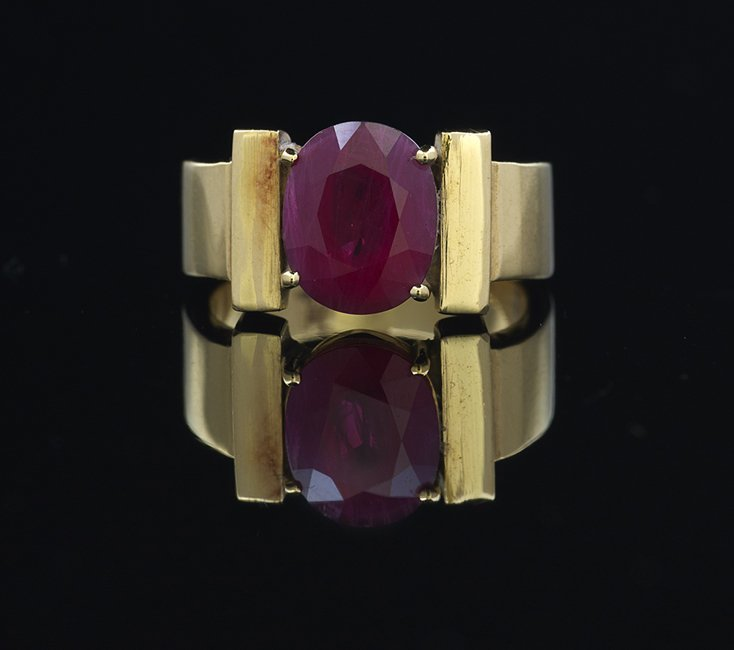 Eighteen-Karat Yellow Gold and Ruby Ring
