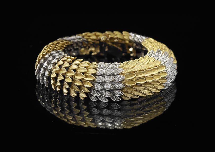 Stunning 14 Kt. Yellow Gold and Diamond Bracelet