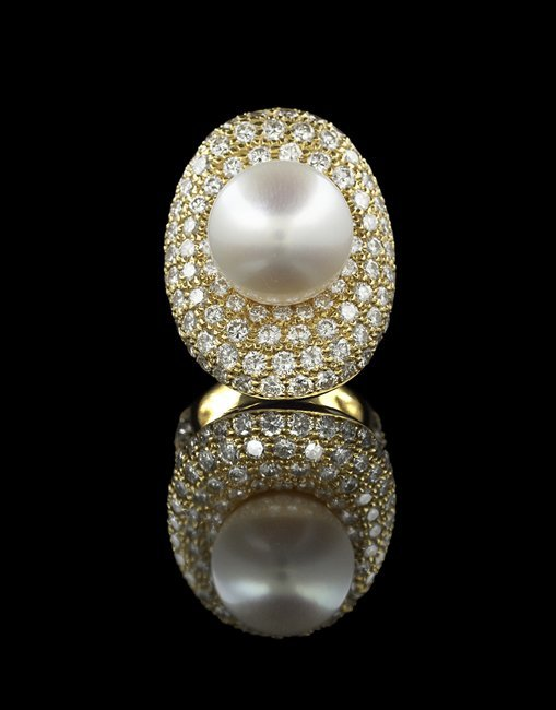 18 Kt. Gold, South Sea Pearl and Diamond Ring