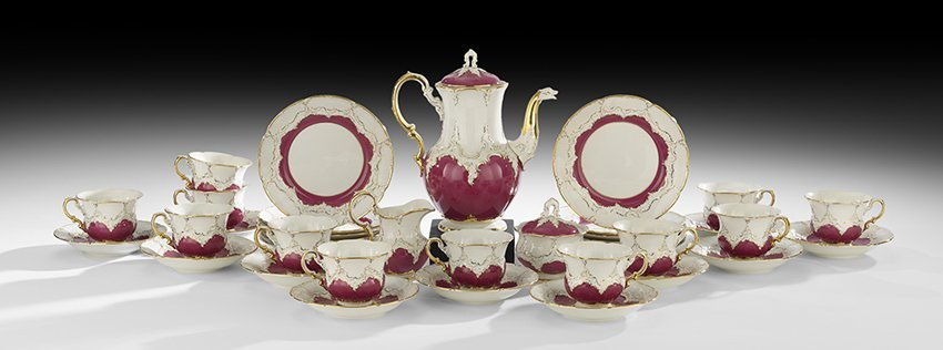 Thirty-Nine-Piece Meissen Porcelain Tea Set