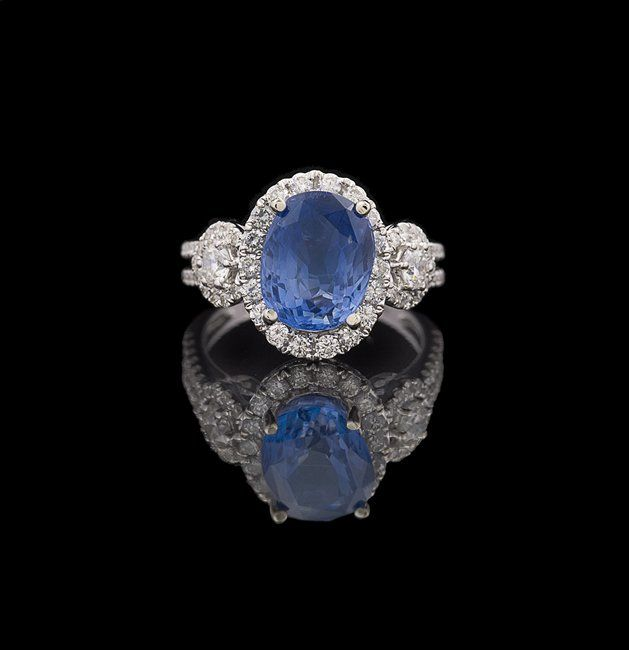 18 Kt. Gold, Natural Sapphire and Diamond Ring