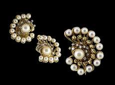 18 Kt Gold Pearl and Diamond Jewelry Suite