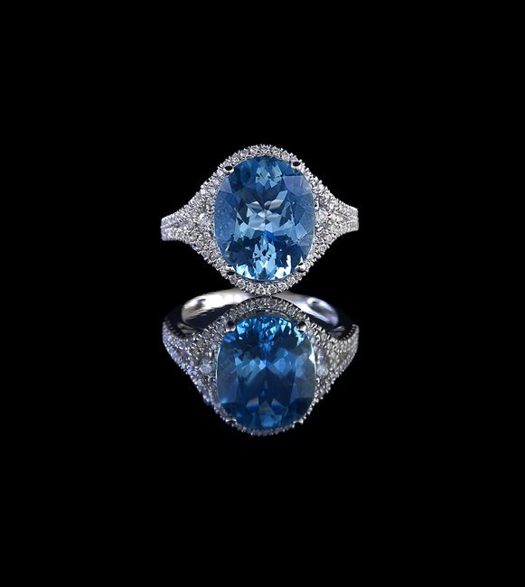 18 Kt. White Gold, Aquamarine and Diamond Ring