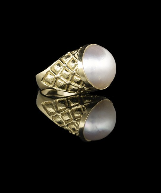 18 Kt. Gold and Mabe Pearl Ring - 2